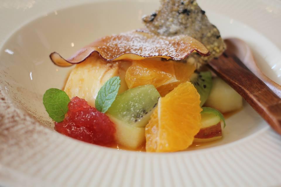 平飼い有精卵のプリン 梅のゼリーや季節のフルーツ