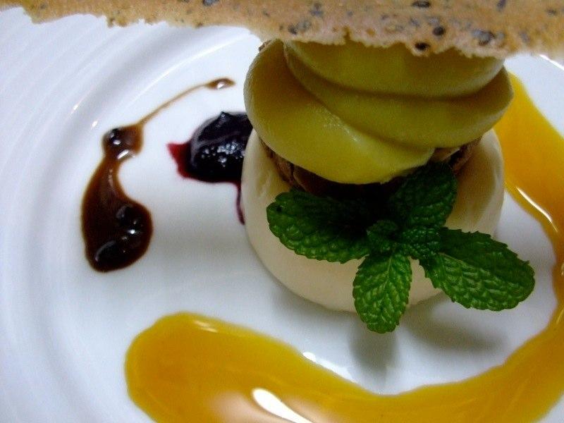 埼玉 富のサツマイモのムース ホワイトチョコレートのババロア