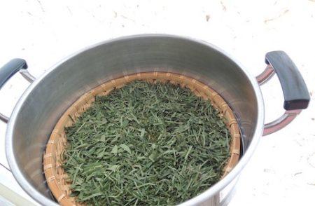 柿の葉茶 カット4